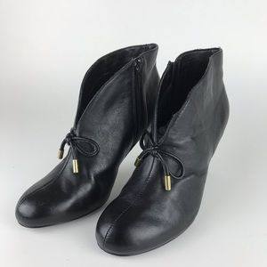 HOT IN HOLLYWOOD black ankle boots 8.5